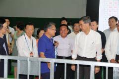 全国政协副主席梁振英率港区全国政协委员考察团参观中鲁远洋公司